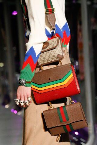 Túi xách hàng hiệu Gucci dẫn đầu xu hướng bag layering: