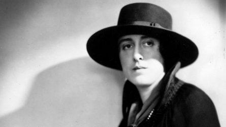 Virginia Woolf, người đặt nền móng cho lý thuyết phê bình nữ quyền luận trong văn học