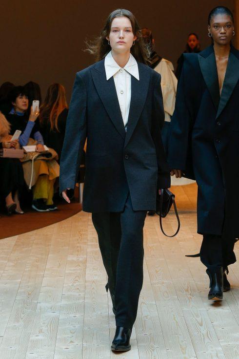 Bộ suit oversized của Celine