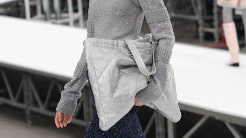 Chiếc túi oversized của Chanel