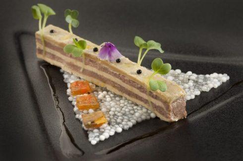 Thưởng thức tài năng đầu bếp sao Michelin Marc De Passorio.