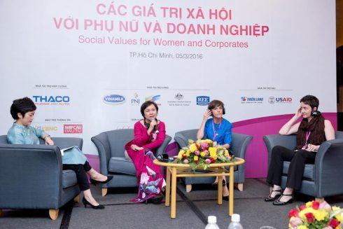 """""""Các giá trị xã hội với Phụ nữ và doanh nghiệp"""" – một trong những diễn đàn thành công do HAWEE tổ chức"""