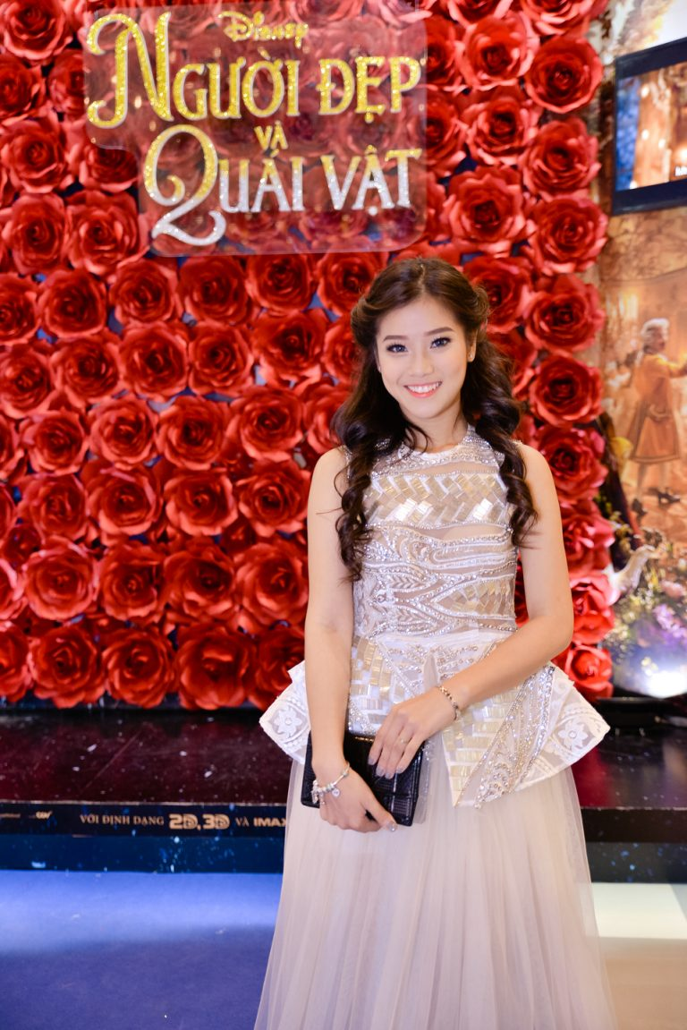 Nguoi Dep va Quai Vat - Hoang Yen Chibi - elle vietnam 7