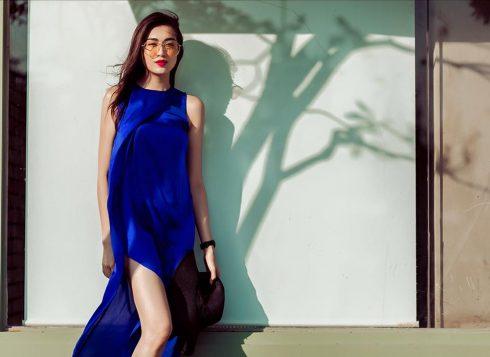 Trong chiếc đầm đuôi cá màu xanh hoàng gia của Thanh Trúc Trương, Lệ Hằng xuất hiện với phong cách thời thượng đơn giản.