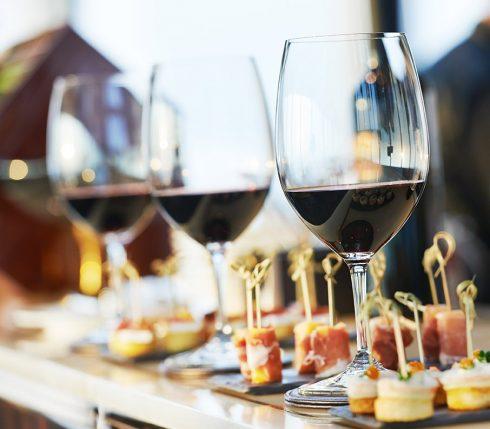 Đêm hội Rượu vang và Phô mai.