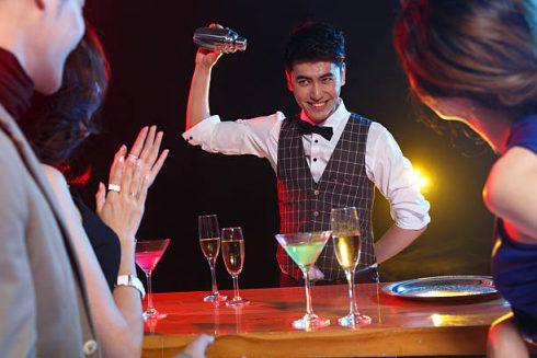 Màn trình diễn pha chế của những bartender nổi danh.