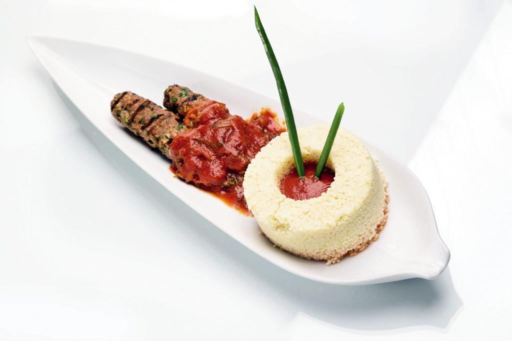 Thưởng thức hương vị đặc trưng kiểu Trung Đông ngay tại trung tâm Hà Nội.