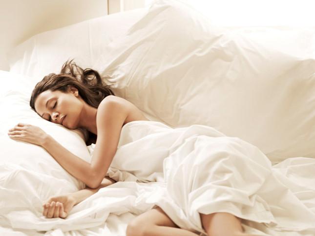 Ngủ nude tốt cho sức khỏe