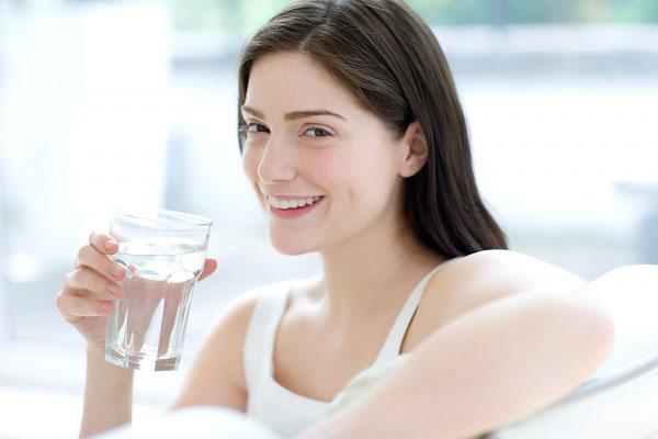 Thói quen tốt là nên uống nhiều nước mỗi ngày