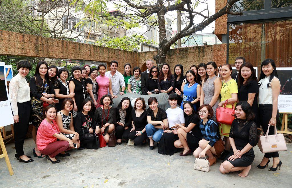 Nữ doanh nhân Hà Nội cùng nhau kêu gọi bảo vệ Tê giác tại sự kiện Nữ doanh nhân Lãnh đạo và Cống hiến.