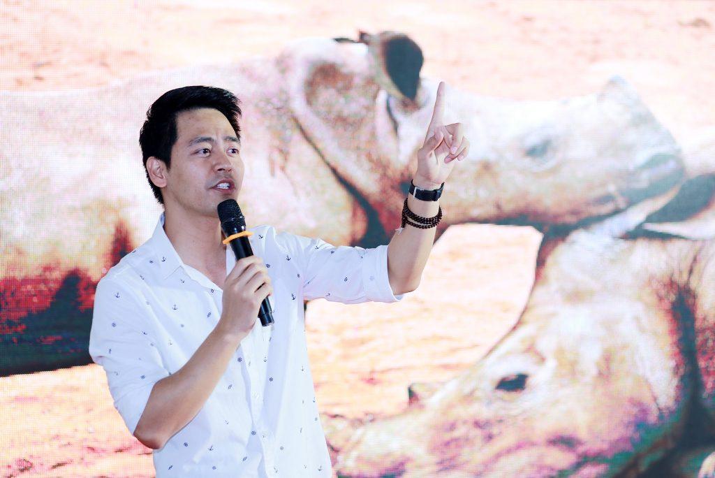 MC Phan Anh - Đại sứ chương trình bảo vệ, bảo tồn Tê Giác và Sao La tại Việt Nam chia sẻ tại Hội thảo.