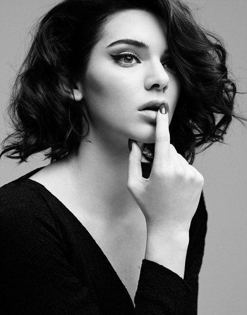 Bỏng mắt với Marylin Monroe phiên bản Kendal Jenner