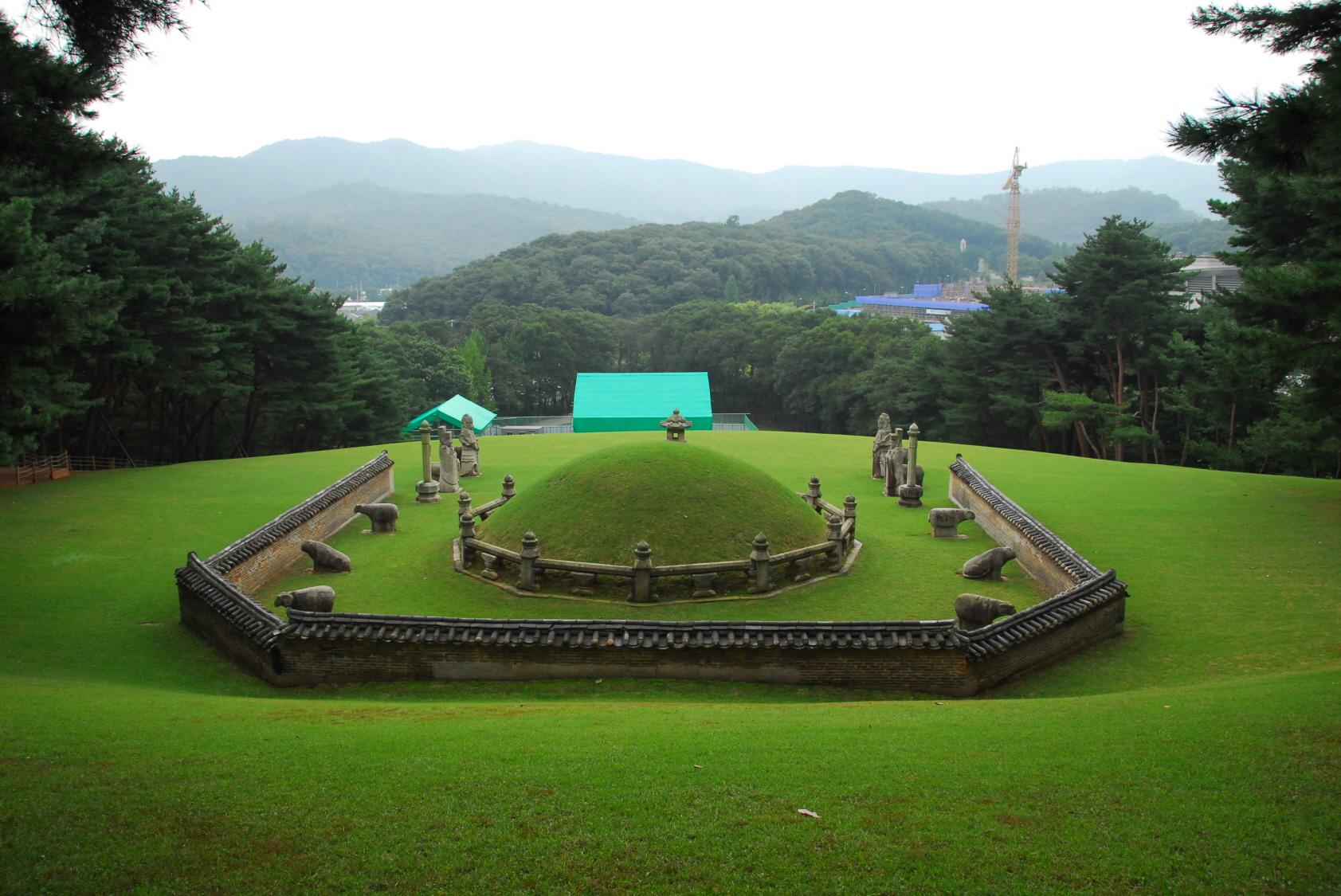 Lăng mộ vua Taejong Muyeol