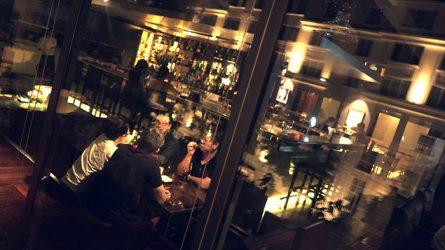 9 quán bar nhạc nhẹ phù hợp với phụ nữ tại Hà Nội