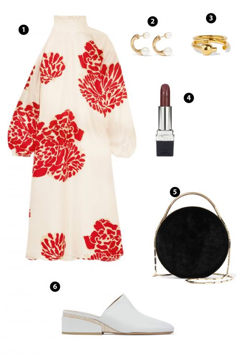 Không chỉ những thiết kế áo tay bồng khiến trái tim cac quý cô thổn thức, những thiết kế váy đầm đi cùng hoạt tiết in hoa cũng là một trong những