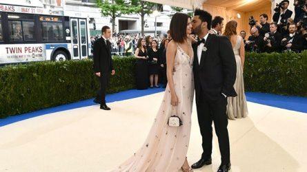 Những khoảnh khắc ngọt ngào của Selena Gomez và The weeknd tại Met Gala 2017