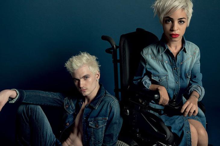 Người khuyết tật vẫn có chỗ đứng trong làng thời trang