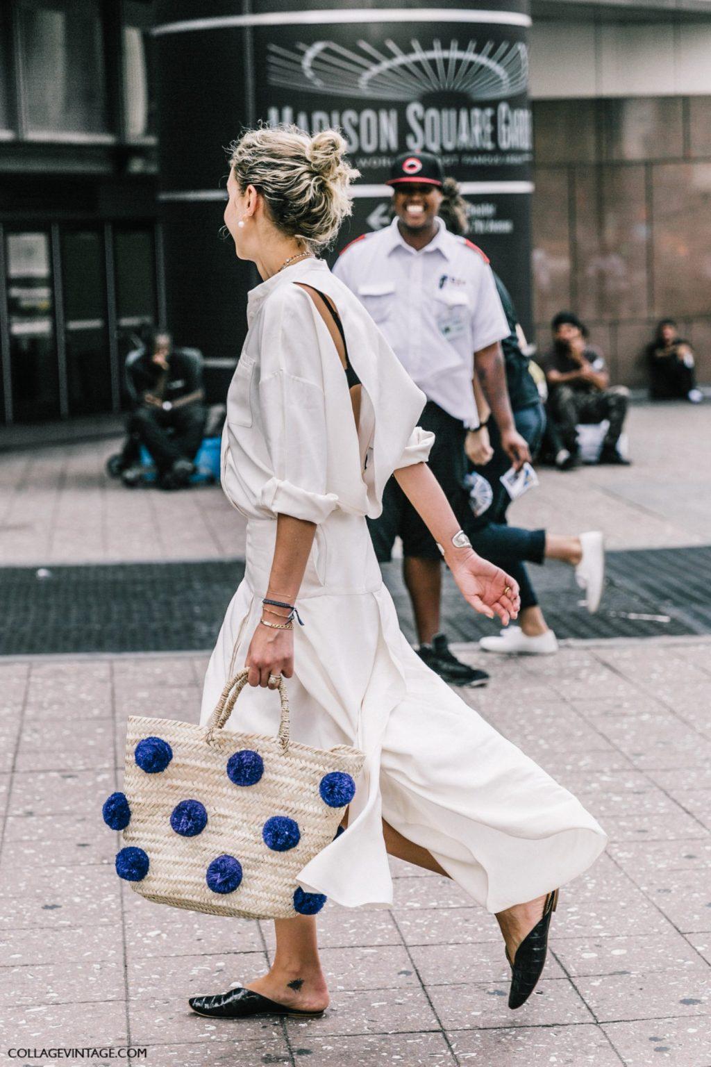 Váy ngắn hay những thiết kế dài đều có thể phối hợp ăn ý cùng item này.