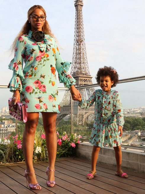 10 cặp mẹ con có gu thời trang đẹp nhất làng giải trí - 02