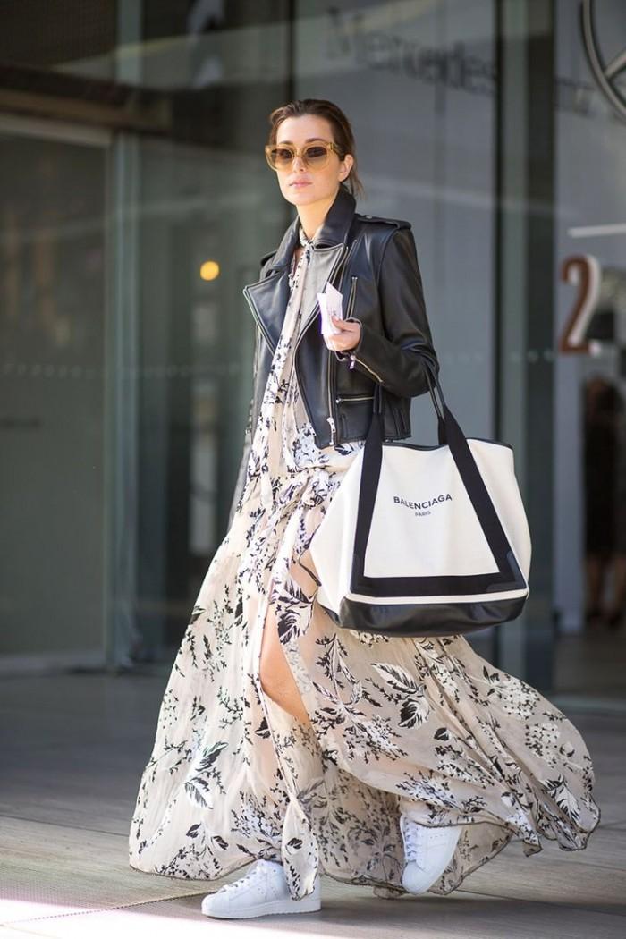 Đừng quên áp dụng ngay những mẫu váy hoa hot nhất hè, khoác ngoài áo da hoặc thun mỏng cùng Stan Smith Consider.