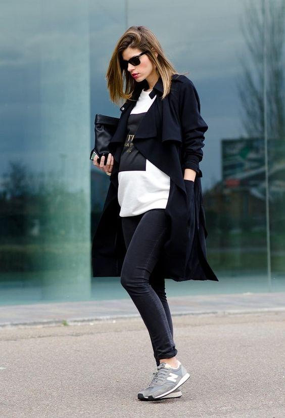 """Những gam màu trắng, đen, xám của New Balance 420 không """"kén"""" trang phục khi có thể kết hợp được từ denim, suit, áo vest cho đến các loại váy áo nữ tính."""