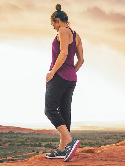 New Balance Vazee là đôi giày được thiết kế dành riêng cho người chạy bộ chuyên nghiệp hoặc đi bộ nhiều mỗi ngày vì cấu tạo bền, nhẹ.