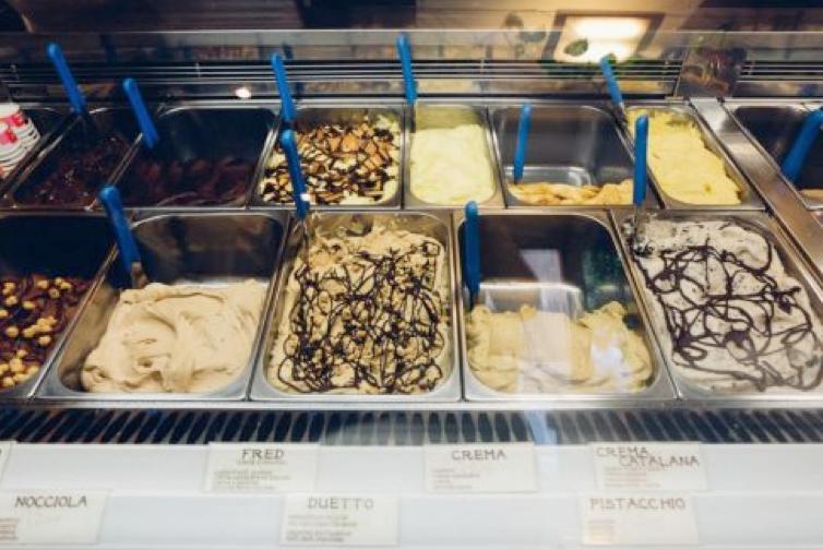 Cửa hàng kem Ý lãng mạn