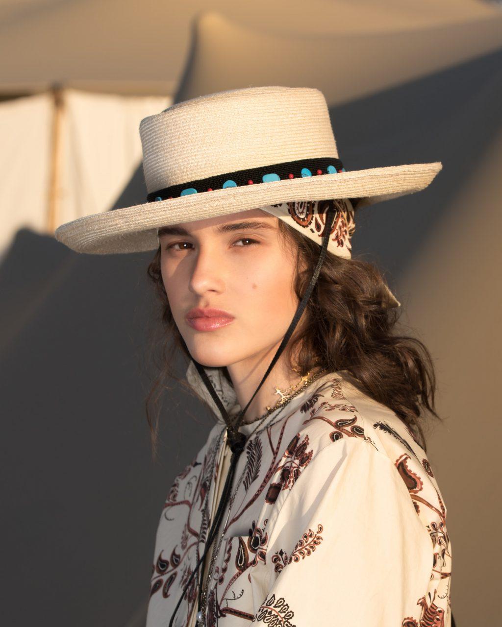 Bí quyết trang điểm như nữ thần Hy Lạp tại Dior Cruise 2018 ELLE VN