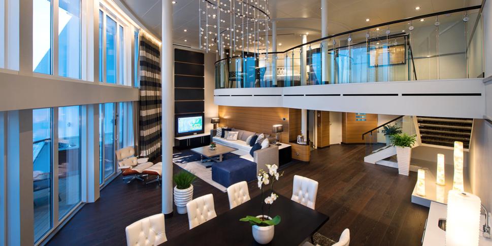 Suite hai tầng cao cấp dành cho những gia đình đi cùng nhau và muốn ở chung với nhau suốt hành trình, loại phòng này có giá khá cao