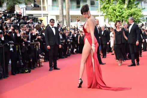 sự cố trang phục đáng tiếc trên thảm đỏ Liên hoan phim Cannes - 10