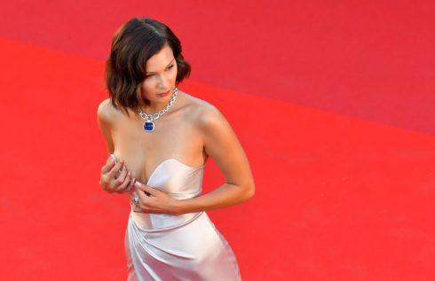 sự cố trang phục đáng tiếc trên thảm đỏ Liên hoan phim Cannes - 11