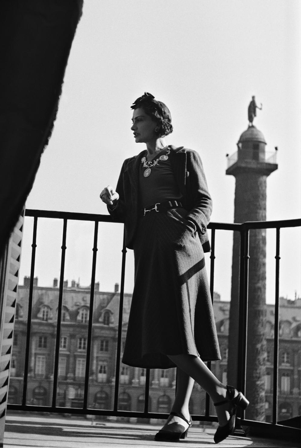 Coco Chanel chụp tại khách sạn Ritz năm 1957