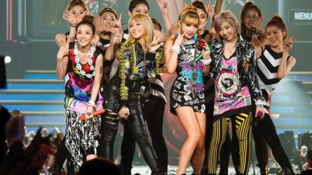 Mổ xẻ thời trang trình diễn của các nhóm nhạc nữ Hàn Quốc