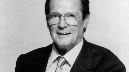 Cuộc đời khiêm nhường của cố tài tử Roger Moore