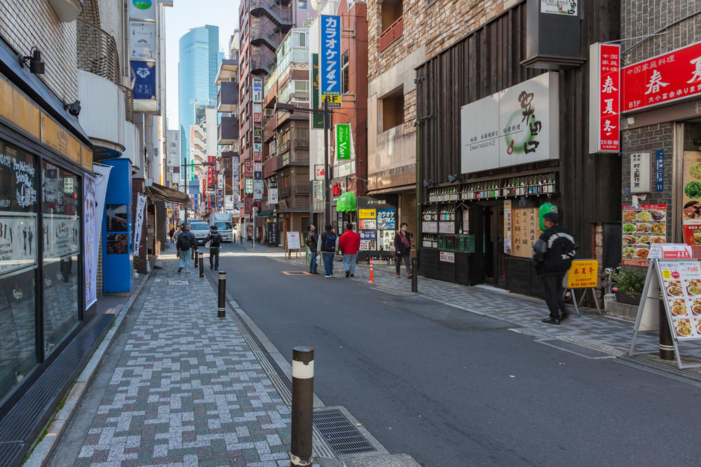 van hoa nhat ban - unnamed street - elle viet nam 1