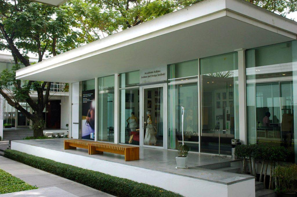 17 trường đại học dạy thiết kế thời trang danh tiếng thế giới