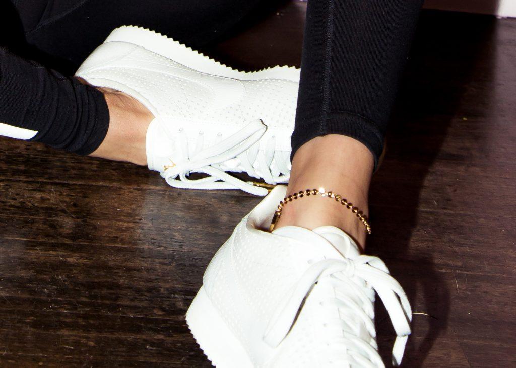 Bella Hadid có 50 đôi sneaker