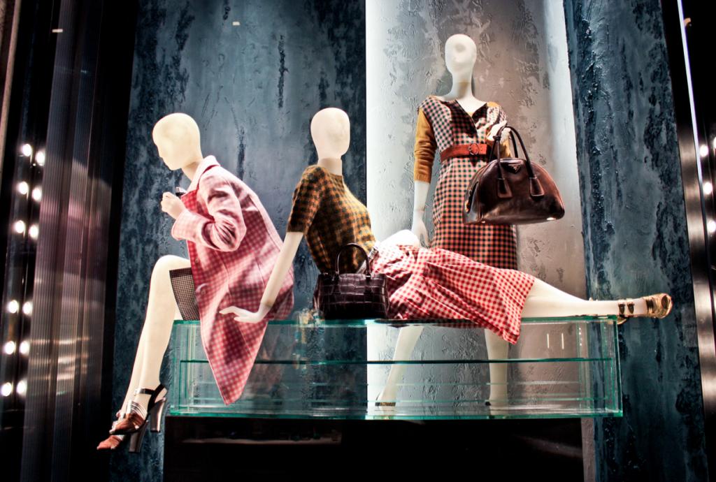 mannequin trưng bày