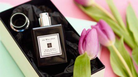 Nước hoa nữ - Hương thơm trong truyện cổ
