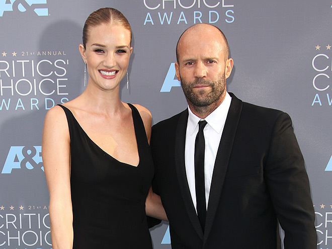 Jason Statham và Rosie Huntington Whitely.