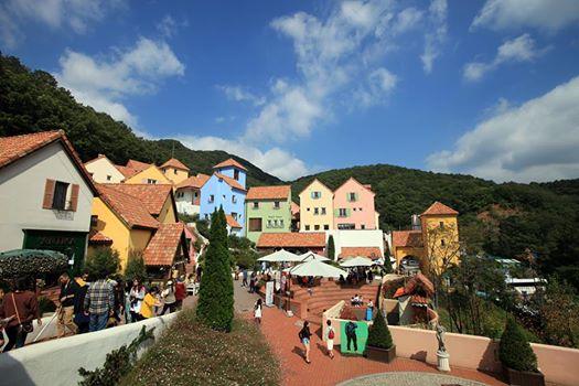 Khu làng Pháp Petite France tại Gyeonggi.