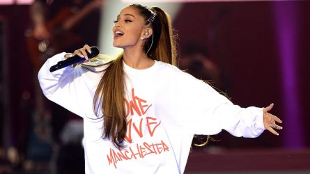 Ariana Grande trở lại với concert One Love Manchester