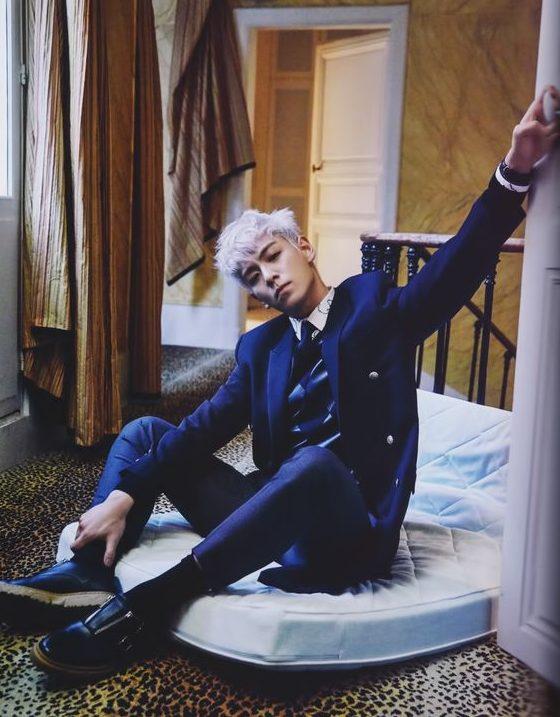 Nam ca sĩ T.O.P và bộ vest màu xanh đen lịch lãm