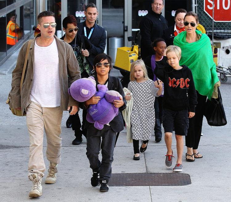 Sau tất cả những lùm xùm từ vụ ly hôn của mình và vợ cũ Angeline Joilie, tài từ Brad Pitt lo lắng rằng chính chuyện cha mẹ ly hôn sẽ khiến con mình gặp khó khăn trong cuộc sống.