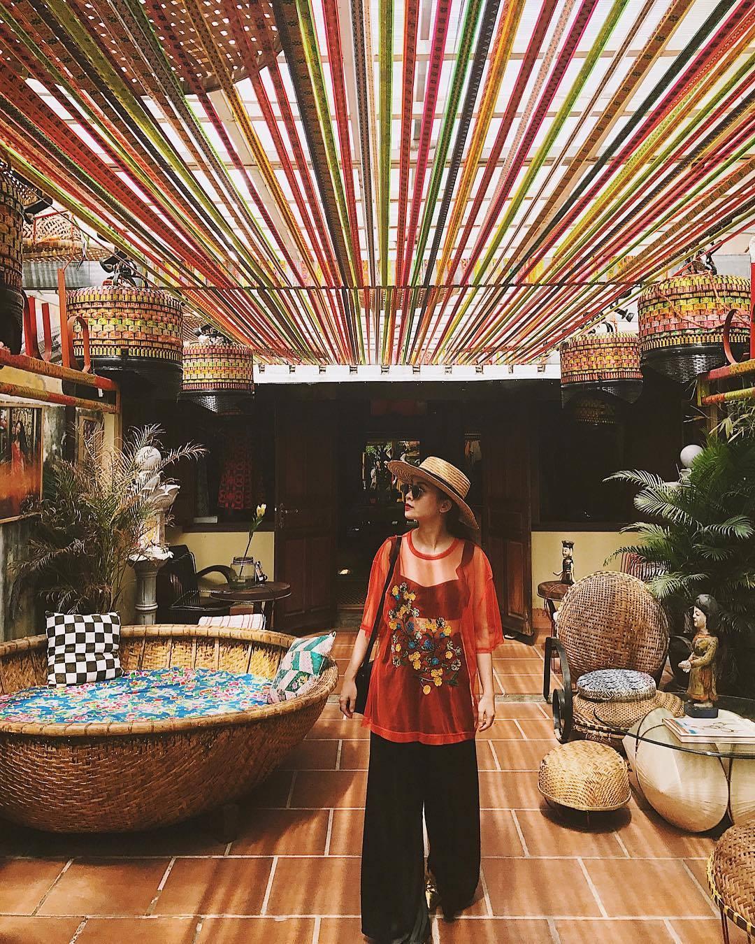 Chào hè với street style của các Fashionista Việt nửa đầu tháng 6