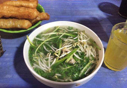 Ăn Cả Thế Giới với 20 quán ăn ngon ở Hà Nội nổi tiếng chục năm qua - ảnh 3