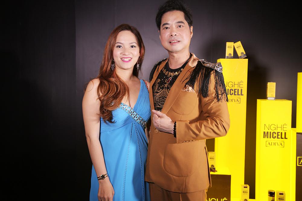 Ông hoàng nhạc sến Ngọc Sơn và khách mời cũng đến tham dự chương trình.