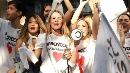 """Dolce & Gabbana ra mắt dòng áo thun thách thức """"haters"""" của Melania Trump"""