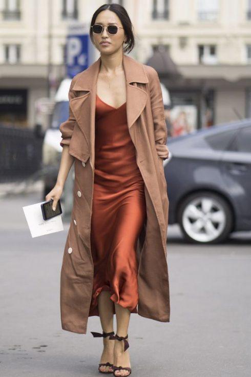 Phái đẹp nữ tính và gợi cảm có thể tăng sự bí ẩn với Trench coat