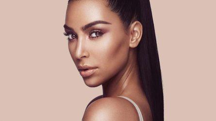Còn ai hợp hơn Kim Kardashian để ra kem contour và highlight?